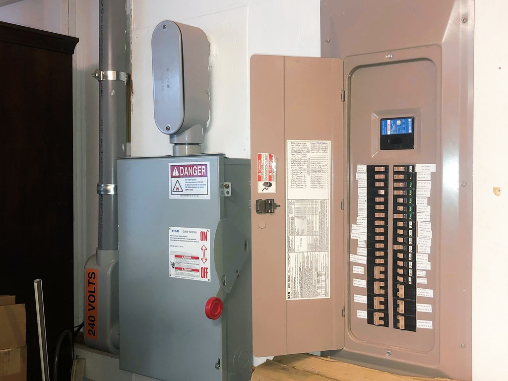 400 Amp electrical service
